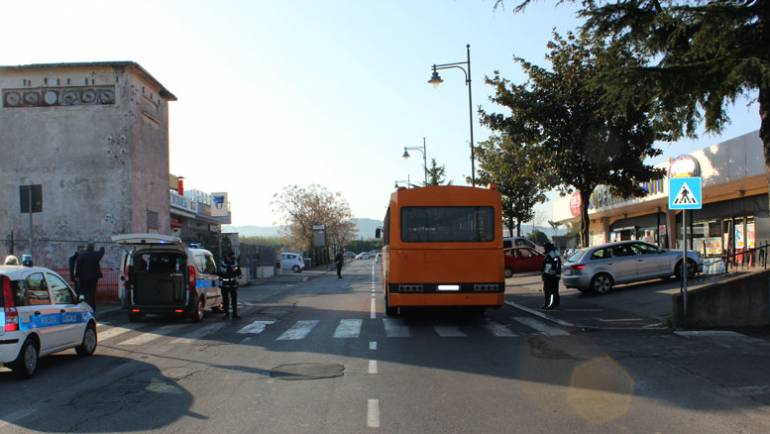 Ciampino. Incidente in Via Mura dei Francesi. Autobus investe 19enne, in corso gli accertamenti da parte della Polizia Locale
