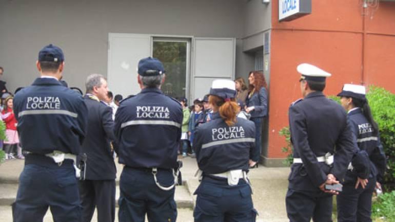 Educazione stradale, la Polizia Locale tra i banchi delle scuole.