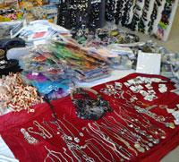 Sequestrati oltre 800 prodotti privi di tracciabilità al mercato settimanale di Ciampino