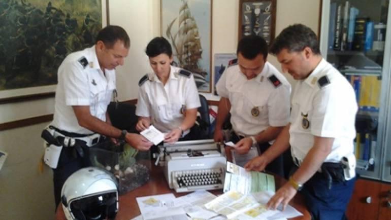 Ciampino, Polizia Locale scopre un laboratorio di assicurazioni auto false. Denunciati due pensionati