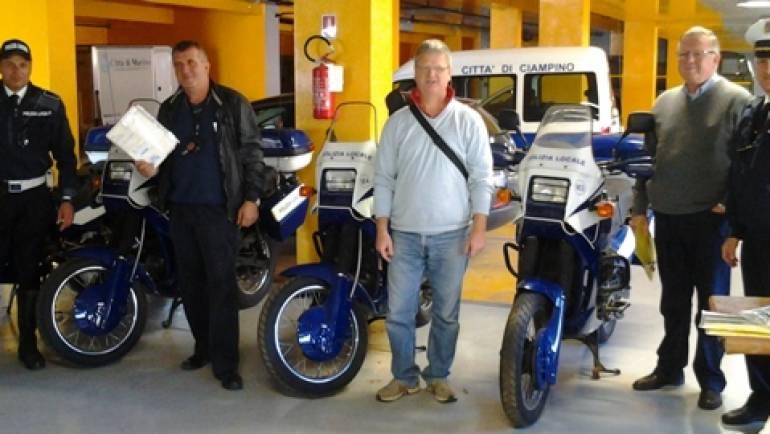 Consegnate le Moto Guzzi dismesse dal Comando, vendute all'asta.