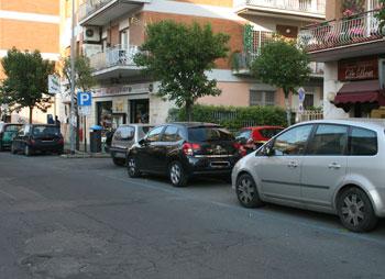 Entra in un negozio e ruba il portafogli della titolare: donna arrestata dai Carabinieri e dalla Polizia Locale a Ciampino