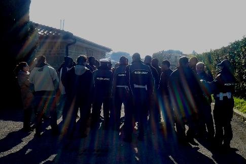 Trasferiti in altri centri di accoglienza i 23 rifugiati politici arrestati per la maxi-rissa