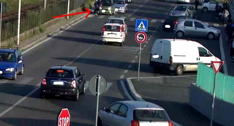 Ciampino. Automobilista causa incidente con 2 minori feriti e si allontana. Rintracciato e denunciato dalla Polizia Locale