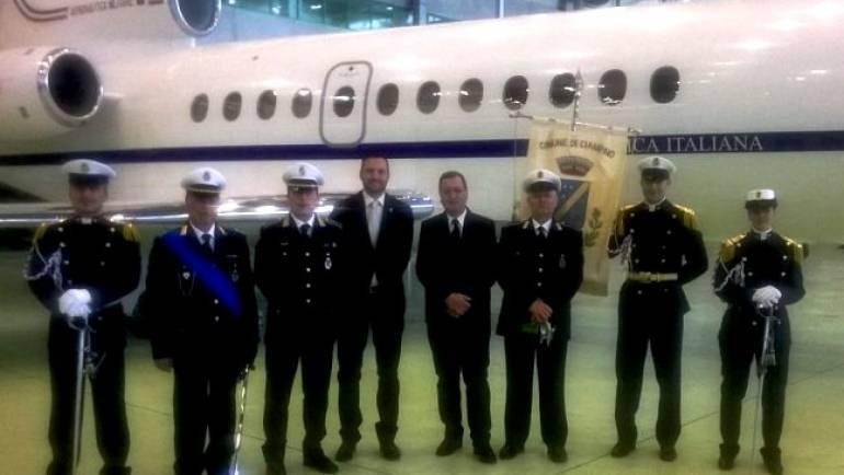 La Polizia Locale scorta il gonfalone della Città di Ciampino al 92esimo anniversario dell'Aeronautica Militare Italiana