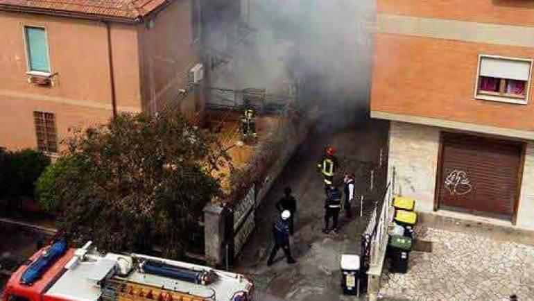Incendio in appartamento in centro città