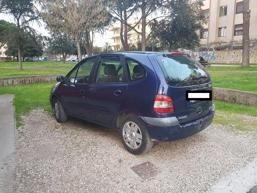 Nomade nei guai: senza patente e con targa prova non autorizzata, guidava l'auto del marito per andare a fare la spesa
