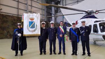 La Polizia Locale di Ciampino scorta il gonfalone alla cerimonia di avvicendamento nella carica di Capo di Stato Maggiore dell'Aeronautica presso il 31° Storno dell'Aeroporto di Ciampino