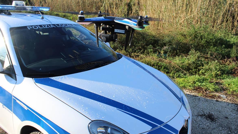 Il Reparto Volo della Polizia Locale di Ciampino impegnato nell'attività di controllo dei fossi presenti sul nostro territorio