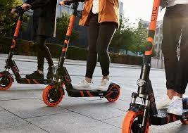 Monopattini elettrici equiparati ai velocipedi