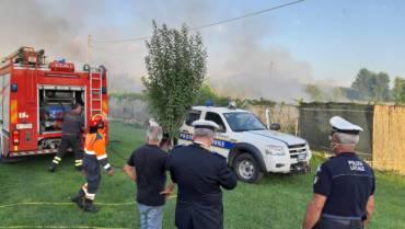 Importante incendio in via Morosina