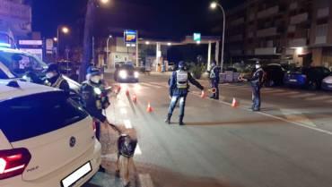 """Operazione """"Ciampino Sicura Notte"""". Giovanissimo romano alla guida di un veicolo sportivo fugge al posto di blocco e viene rintracciato immediatamente dopo nei pressi dell'abitazione di un suo parente."""